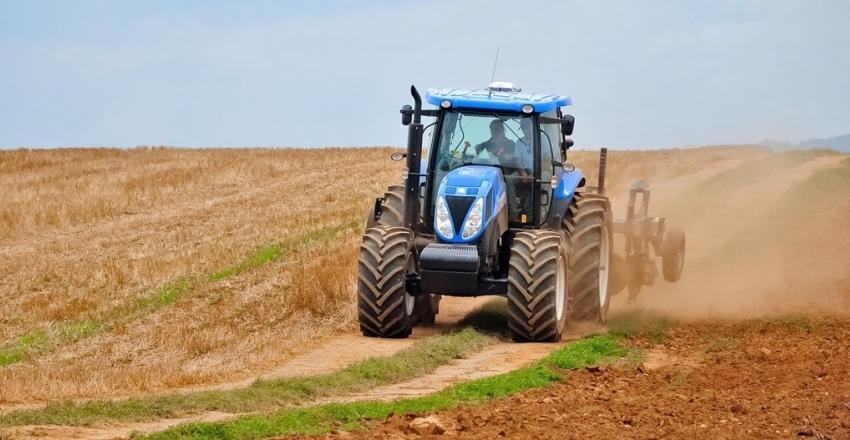 tractor-5310953_1920